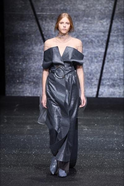 style, lavinia biancalani, the style pusher, runway, lfw, mfw, nyfw, ss17, fashion week, sfilate, p/e 2017, ricostru, giorgio armani, armani