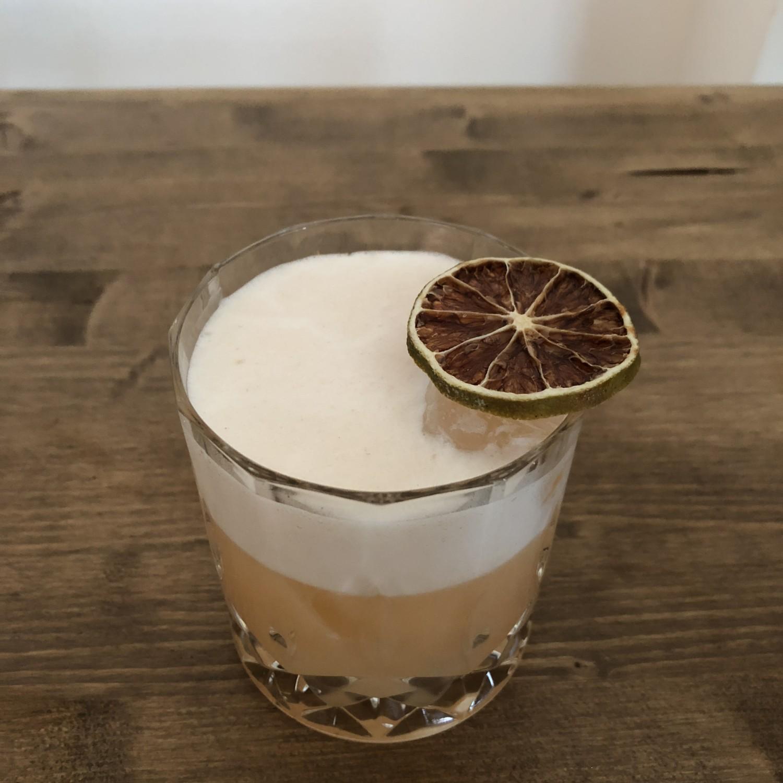 vodka Canadian sour, mixology, cocktail, vodka, albume, limone. cranberry, sciroppo d'acero, lime, gabriele stillitani, drink,