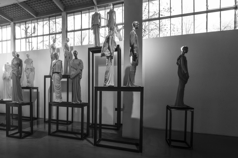 fashion, mostra, triennale di milano, triennale, stilista, designer, visionario, 25 marzo, rick owens, dark, moda, punk, anarchica, gloria presotto, martino carrera,